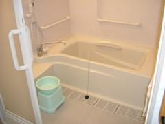 室内の浴槽