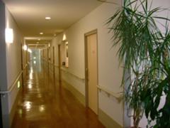フラットな廊下