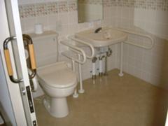 共用トイレ3
