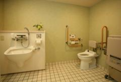 オストメイト対応多機能型トイレ